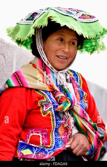 Peruvian Clothing Stock Photos Amp Peruvian Clothing Stock Images Alamy
