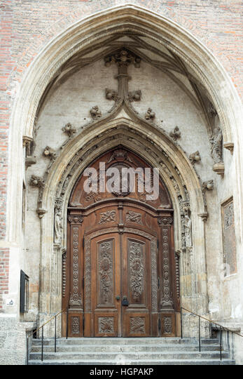 magnificent medieval doors of famous Cathedral of Our Dear Lady on German - Frauenkirche in Munich & Medieval Doors Stock Photos \u0026 Medieval Doors Stock Images - Alamy