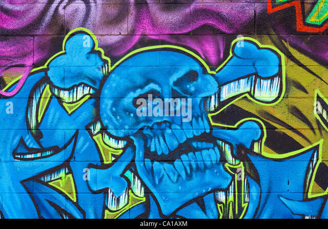 Skull Cross Bones Graffiti Stock Photos Amp Skull Cross