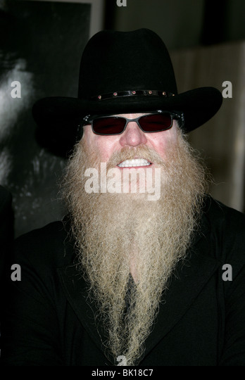 how tall is dusty hill
