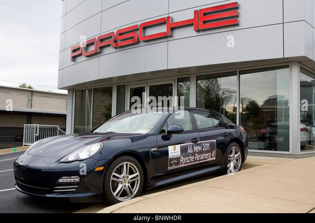 Car Dealership Stock Photos Amp Car Dealership Stock Images