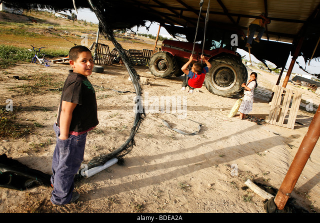 Bedouin family stock photos bedouin family stock images for Swingvillage