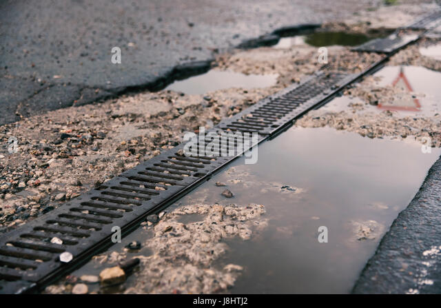 Drainage Grate Stock Photos Amp Drainage Grate Stock Images
