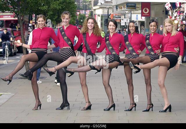 Upskirt in sainsburys - 5 4