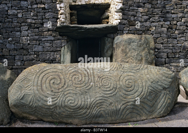 Newgrange ireland burial mound stock photos