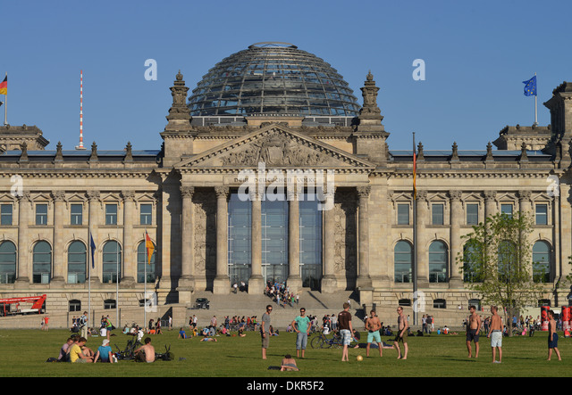Berliner Platz 2 L Sungen republik stock photos republik stock images alamy
