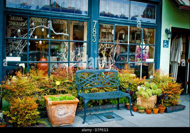 Gifts Souvenir Shop Stock Photos & Gifts Souvenir Shop Stock ...
