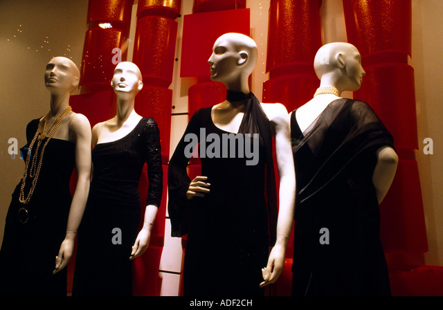 mannequins shop stock photos mannequins shop stock images alamy. Black Bedroom Furniture Sets. Home Design Ideas