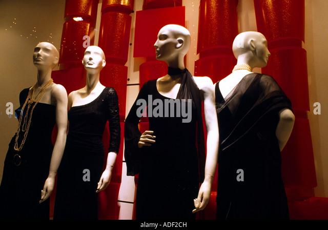mannequins shop stock photos mannequins shop stock images alamy. Black Bedroom Furniture Sets. Home Design Ideas