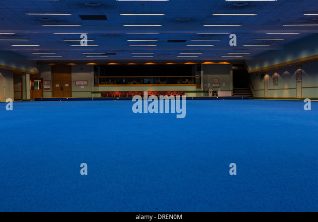 Indoor Bowling Stock Photos & Indoor Bowling Stock Images - Alamy