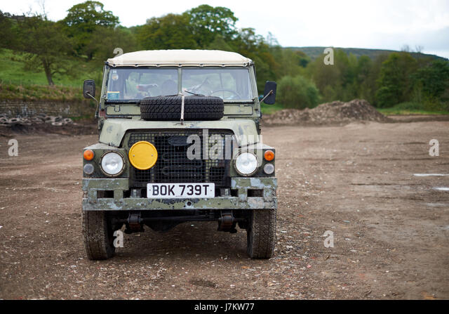 Lightweight 1/2 tonne Land Rover in military camouflage - Stock Image