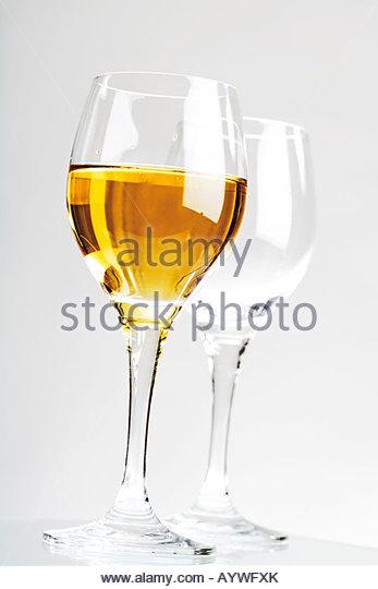 Weißweingläser weißweingläser stock photos weißweingläser stock images alamy