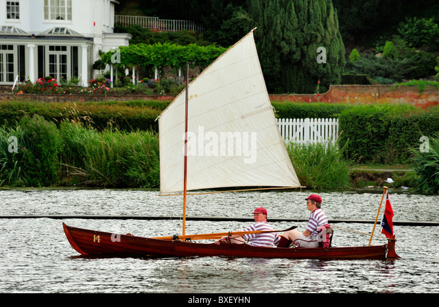 Wooden Skiff Uk Stock Photos & Wooden Skiff Uk Stock Images - Alamy
