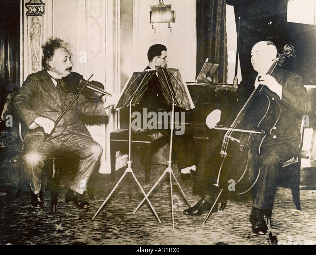 did einstein knew how to play the violin