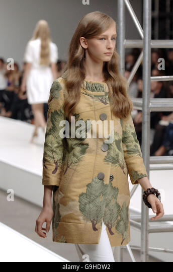 SS17 London Fashion Week Presentation / Aquascutum Blog 55