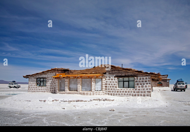 Salt hotel stock photos salt hotel stock images alamy for Salar de uyuni hotel made of salt