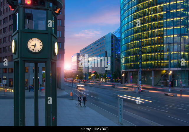 Berliner Platz 2 L Sungen berlin nightlife stock photos berlin nightlife stock images alamy