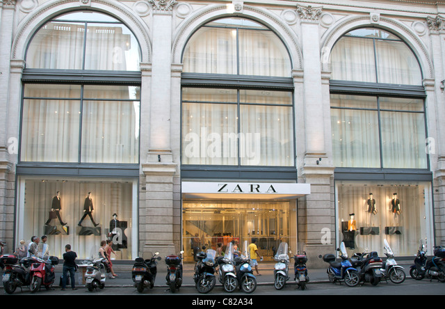 zara store front stock photos zara store front stock images alamy. Black Bedroom Furniture Sets. Home Design Ideas