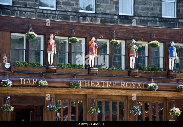 Edinburgh pub new town stock photos