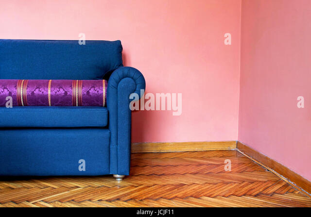 Interior Blue Wall Pink Sofa Stock Photos & Interior Blue Wall Pink ...