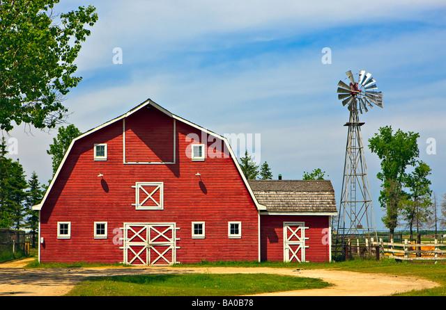 Farm Barn mennonite farm stock photos & mennonite farm stock images - alamy