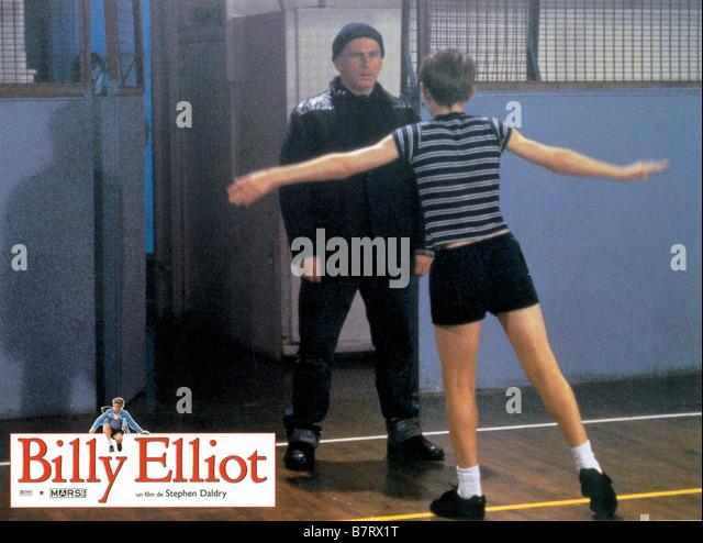 an analysis of the daldry film billy elliot Vi er i 1984 i nord england hvor en af mange miner er truet af lukning i dette miljø finder vi en af minearbejderens sønner - billy elliot (jamie bell)billy er 11.