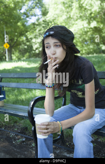 Teens Smoking Drinking Stock Photos & Teens Smoking