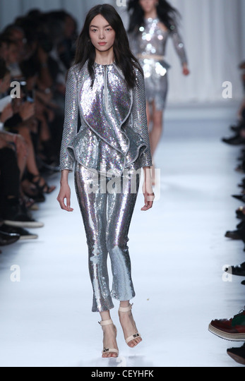 D Wire Givenchy – Spring / Summer 2012