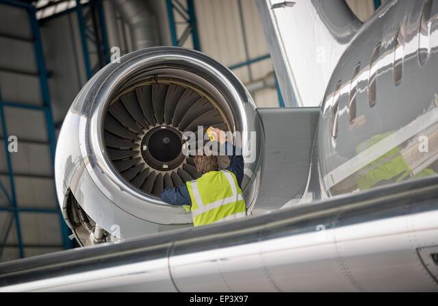 aircraft mechanic stock photos aircraft mechanic stock images