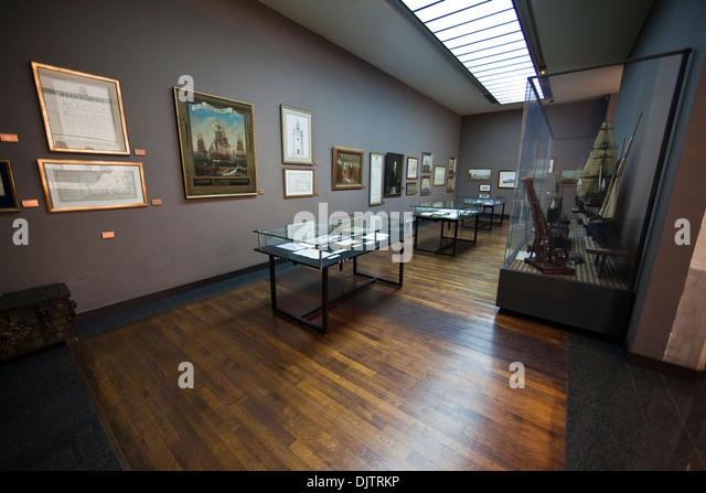 La canebiere stock photos la canebiere stock images alamy - Chambre de commerce et d industrie marseille ...