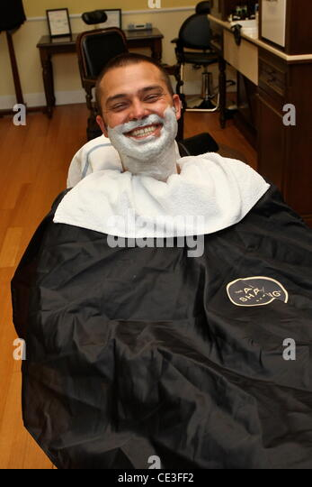 nick shaving stock photos nick shaving stock images alamy. Black Bedroom Furniture Sets. Home Design Ideas
