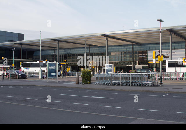 Heathrow Airport Central Bus Station | National Express
