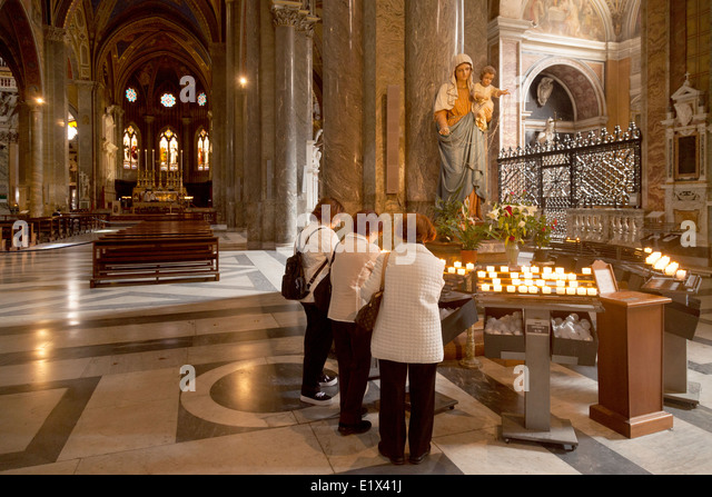 shabbat candle lighting time rome italy catholic church candle lighting stock photos catholic church candle lighting stock images alamy