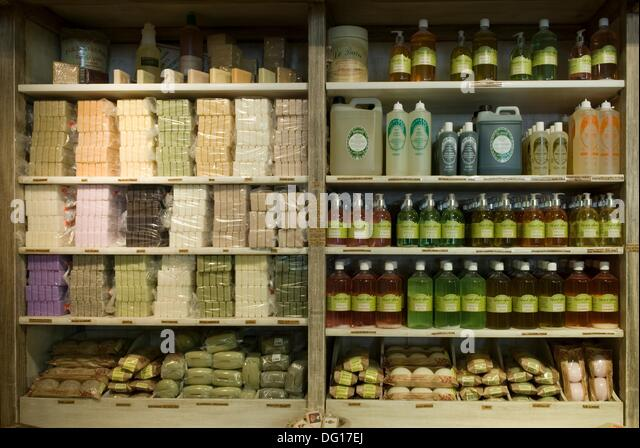Latour stock photos latour stock images alamy - Pharmacie de l europe salon de provence ...