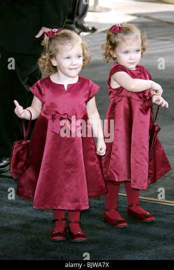 Kara And Shelby Hoffman 2014