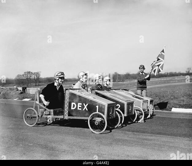 1959 grand prix stock photos 1959 grand prix stock for Moss motors used cars airport