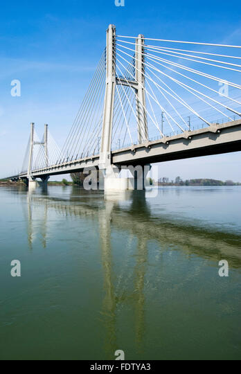 Railway Bridge Columns Stock Photos Amp Railway Bridge