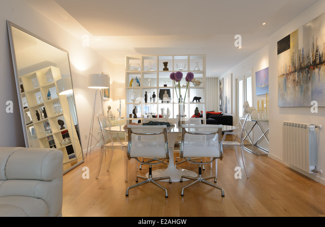Dining Room Table And Chairs In A Modern Contemporary Interior Designed Living