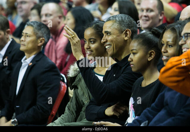 Michelle obama hugs team usa basketball wallpaper - candle in the dark pictures hd