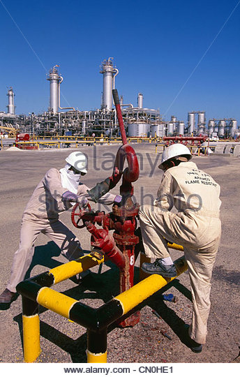 The largest oil refinery in the world, located at Ras Tanura, on the ...