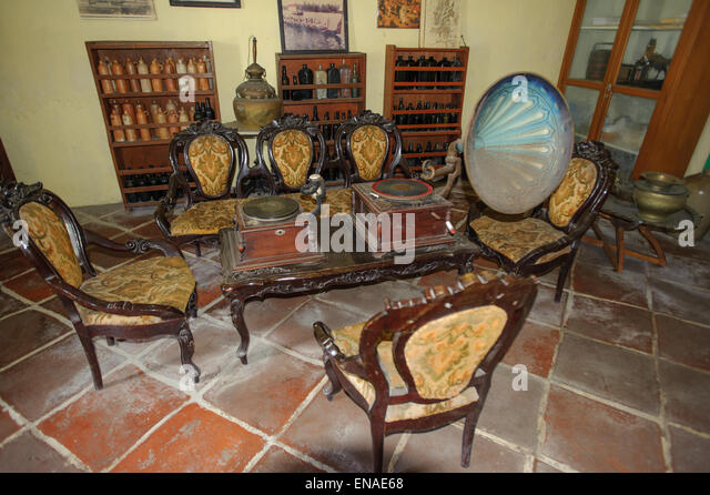 Antique gramophone stock photos antique gramophone stock for Html table inside th