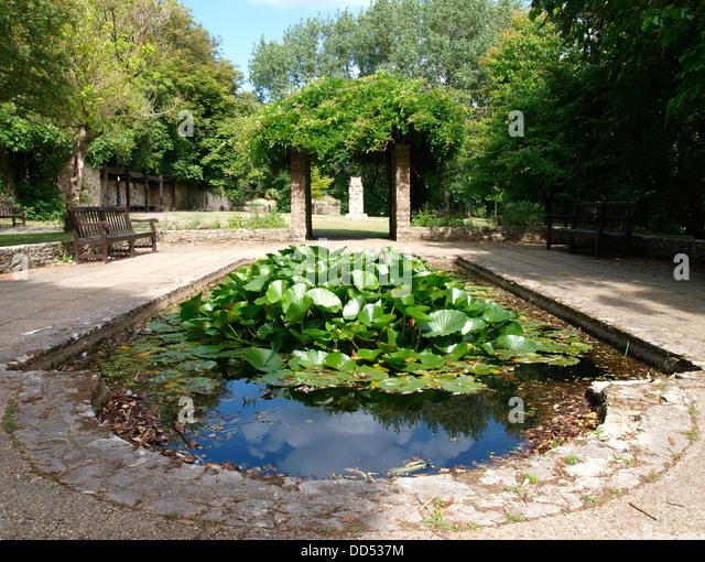 Christchurch dorset stock photos christchurch dorset for Landscape gardeners christchurch