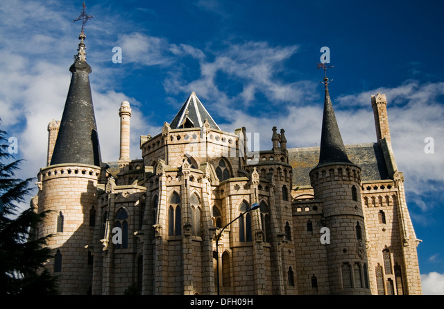 Gaudi Palace Leon Stock Photos & Gaudi Palace Leon Stock Images - Alamy