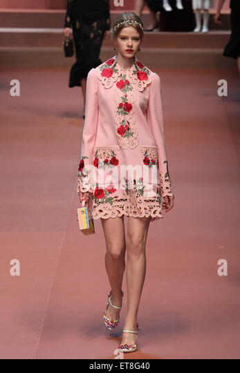 Dolce Gabbana Catwalk Stock Photos & Dolce Gabbana Catwalk ...