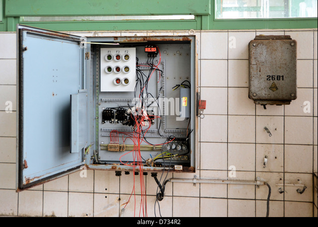 an old fuse box in a disused factory d734r2 fuse box stock photos & fuse box stock images alamy Old Fuse Box Parts at panicattacktreatment.co
