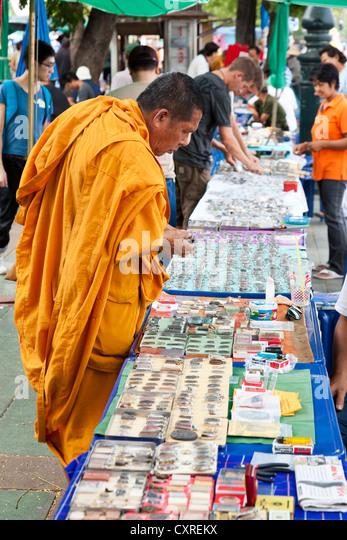 Thailand Amulet Market Stock Photos & Thailand Amulet Market Stock Images...