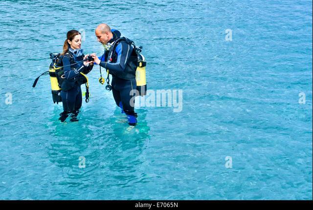 Woman scuba diving italy stock photos woman scuba diving for Porno dive italia