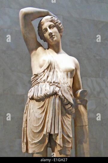 marble statue of a wounded amazon essay Biography of polykleitos research our constantly updated database of famous biographies order custom written paper on polykleitos.