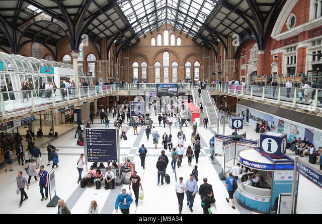 Concorse stock photos concorse stock images alamy - Stansted express ticket office liverpool street ...