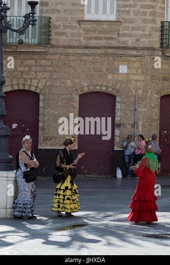 Spanish ladies in traditional costume - Stock Image